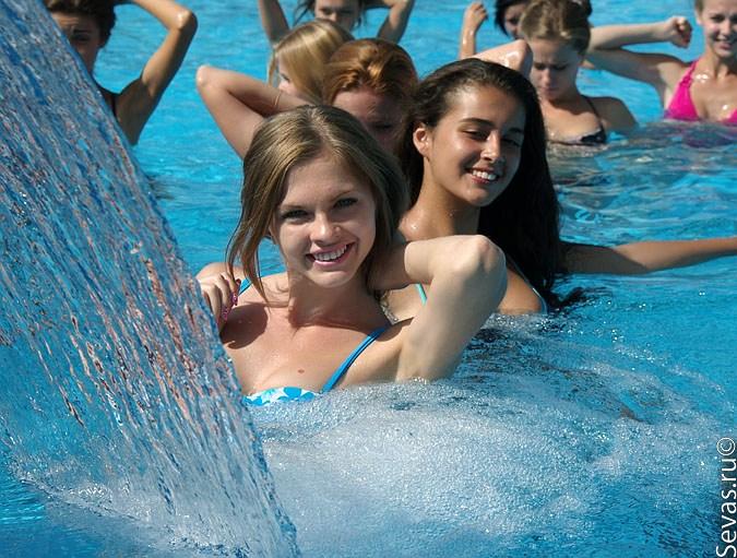 фото девушек в аквапарках